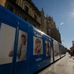 El tranvía en Sevilla: publicidad en movimiento