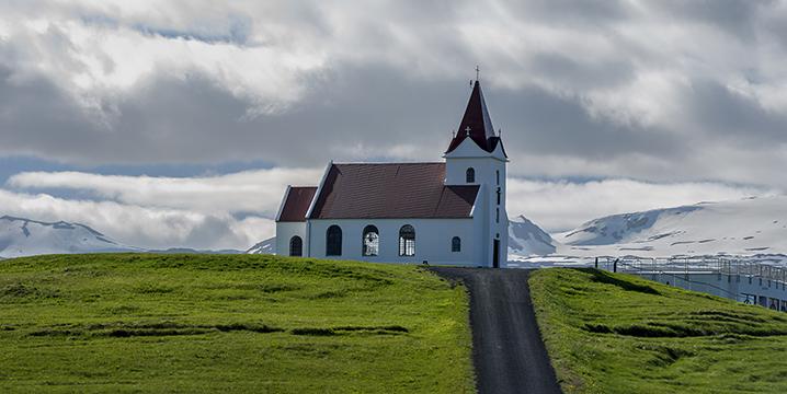 Ingjaldshólskirkja, Islandia © Alberto Honing